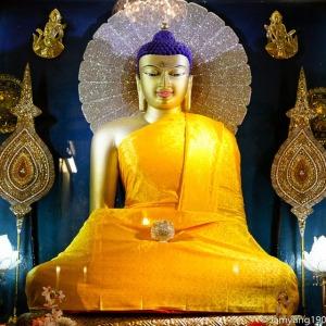 Sakyamuni Buddha szobor, Mahabodhi Temple, Bodh Gaya, India