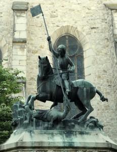 Kolozsvári tesvérek Szent György szobra