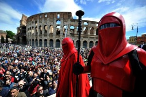 Star Wars fans in front of the Colosseum